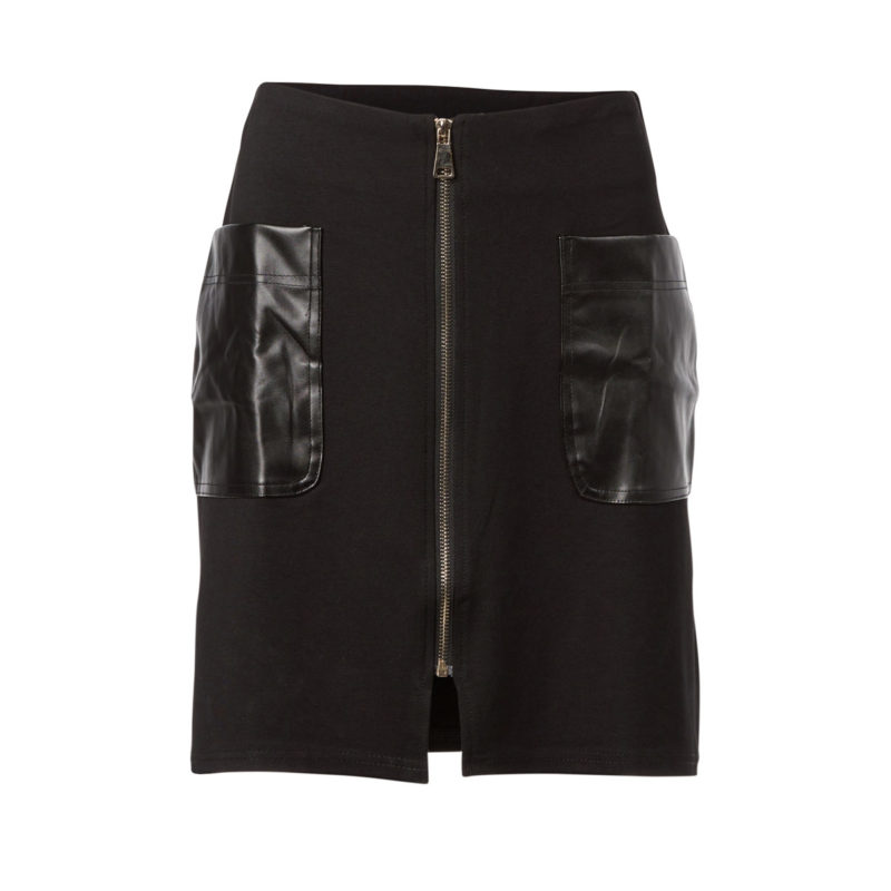 Short skirt with leather pockets and gold zipper front