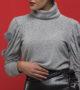 Πλεκτή μπλούζα με pom pom