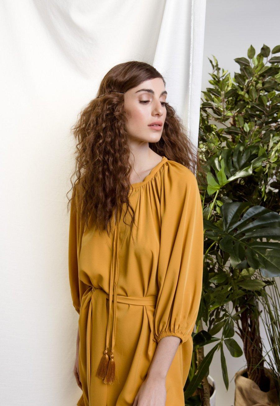 DejaVu φόρεμα με λάστιχο στα μανίκια και δέσιμο στην μέση