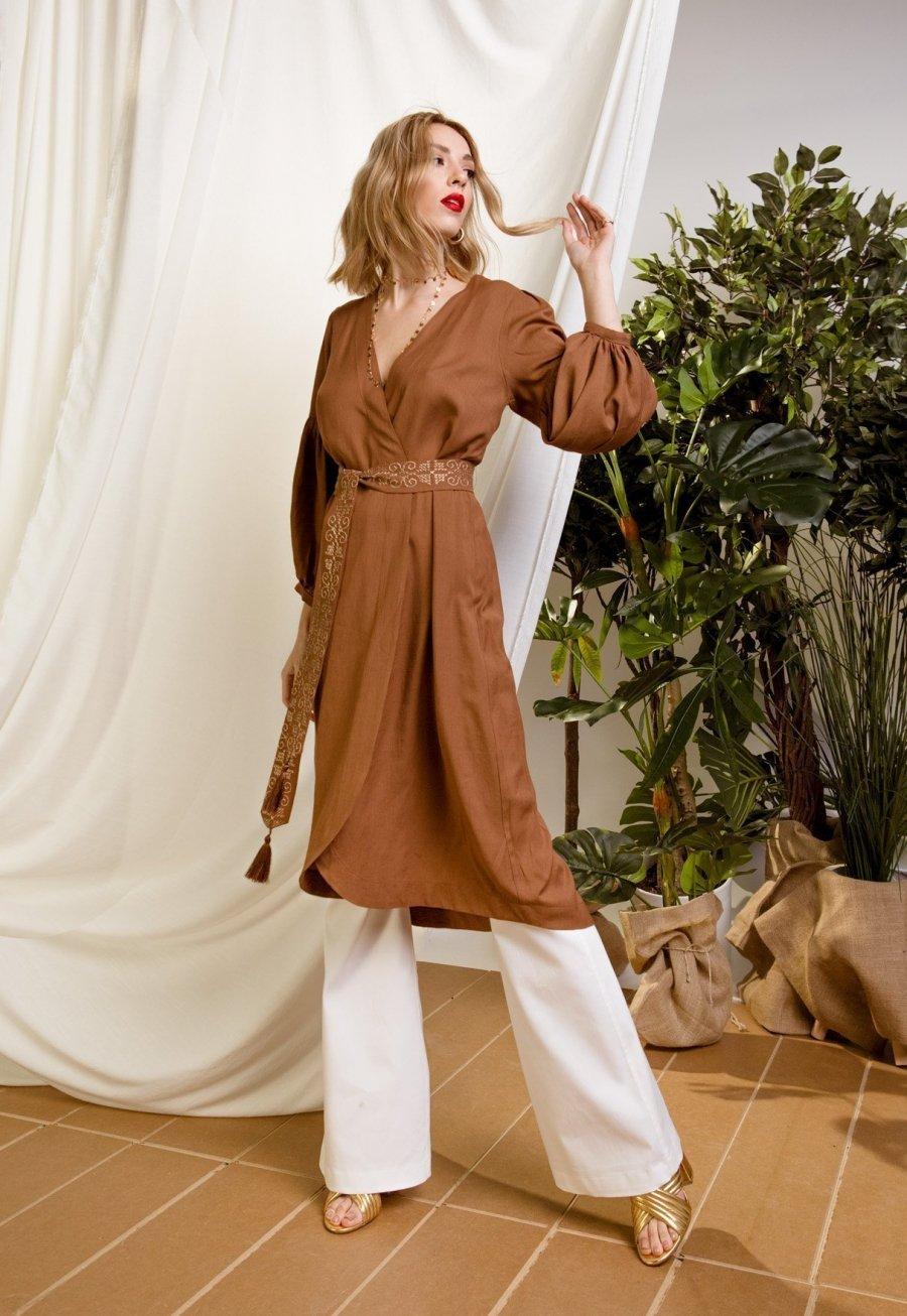 DejaVu φόρεμα με δέσιμο στην μέση και διακοσμητικά κεντήματα
